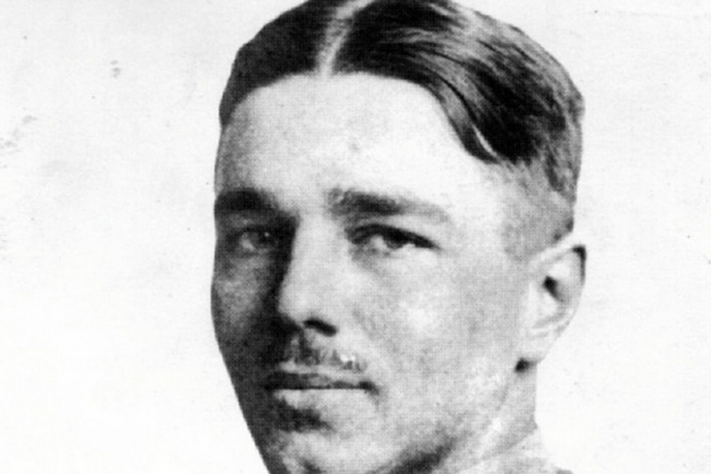 an introduction to the life of wilfred owen a famous british war poet in world war one The portrayal of war in ww1 literature demonstrates a transition between glorification and futility - the futility of world war one (birdsong) introduction through a.